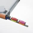 """""""Ołówek"""", zawiera aplikacje i taśmy w 6 kolorach, służy jako wygodna kieszeń na przybory do pisania."""